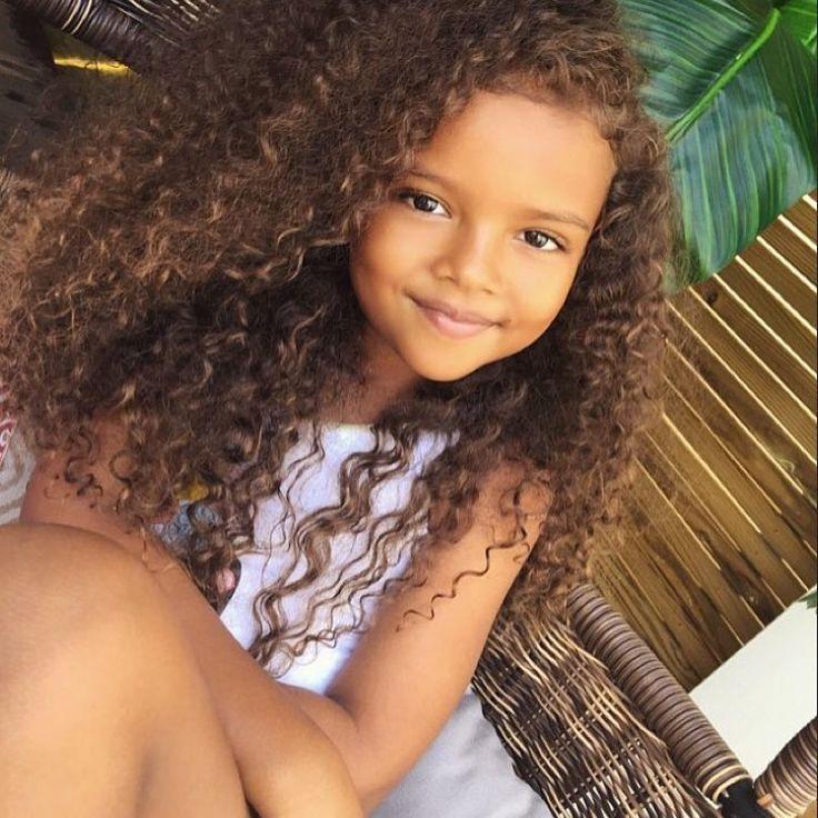 dollface keeike curly hair