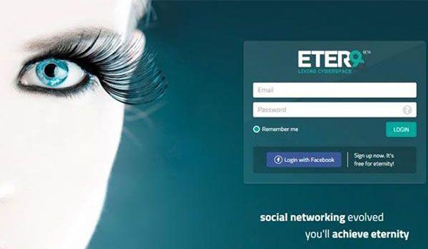 """Det nye sociale medie ETER9 vil gøre det muligt for sine brugere at leve evigt i det virtuelle rum. Ved hjælp af kunstig intelligens vil ETER9 sørge for, at vi kan poste og dele indhold, når vi er offline og endda efter vores død. Udtrykket """"altid at være på"""" får med ETER9 en helt anden betydning. Jeg har prøvet ETER9…"""