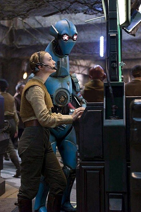 """30 Things You Definitely Missed In """"The Force Awakens"""""""