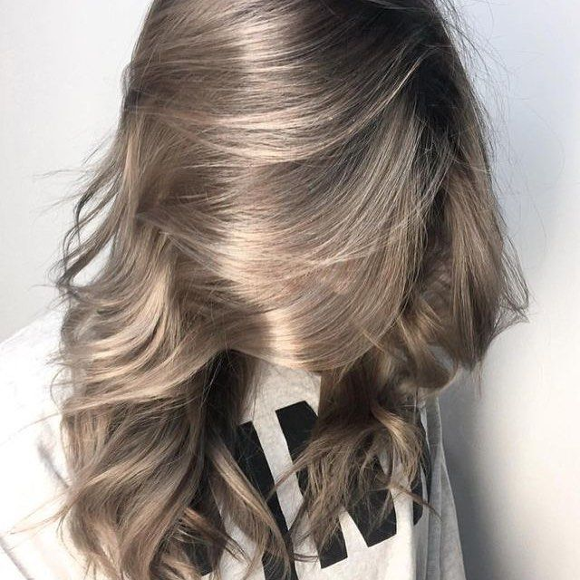 65 Elegant Ash Blonde Hair Hues You Can T Wait To Try Out Long