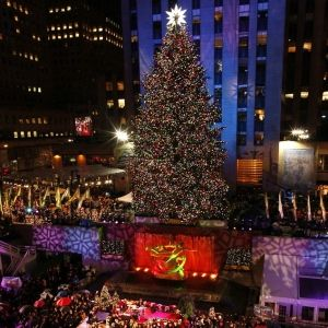 Top 5 New York City Christmas Attractions - Bucket List - New York during Christmas time!!