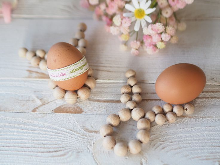 Wooden Egg Holders - Easter Table Decorations – a unique product by ChriSue. Via en.DaWanda.com.