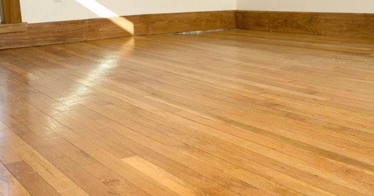 Como usar aguarrás para remover cera antiga em pisos de madeira