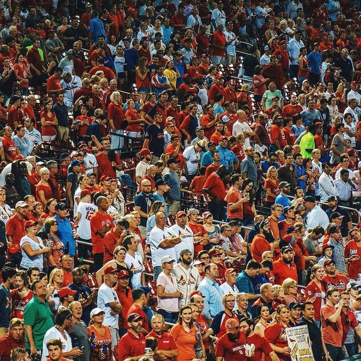 #STL #Cardinals Fans take a standing break during the 7th inning stretch. Thanks @allisongregory1!  #SuperTailgate #tailgate #tailgating #win #letsgo #gameday #travel #adventure #stadium #party #sport #ESPN #jersey #sports #league #SportsNews #score #photooftheday #love #Baseball #MLB