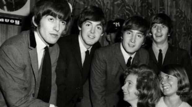 Toute la vie et l'oeuvre des Beatles, Paul McCartney, Ringo Starr, George Harrison et John Lennon : https://yellow-sub.net #beatles #paulmccartney #ringostarr #georgeharrison #johnlennon #liverpool #music #pop #yokoono #seanlennon #julianlennon #fun #enjoy #music #news #oasis #blur #yellowsubnet #website #fabfour #letitbe #pleasepleaseme #yesterday #help #revolver #sgtpepper #yellowsubmarine #apple #epstein #rubbersoul #beatlesforsale #aharddaysnight