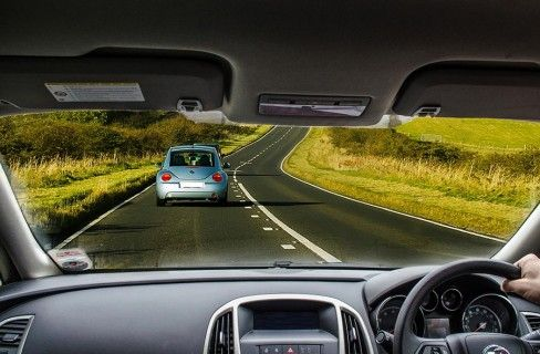 Conosci l'impatto del tuo stile di guida su ambiente e portafogli?