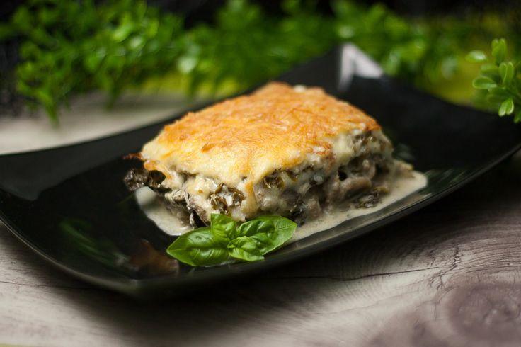 Es ist eine neue Variante vom Klassiker: Die Wirsinglasagne mit Pilzrahmfüllung. Das Gericht ist somit low carb und glutenfrei.