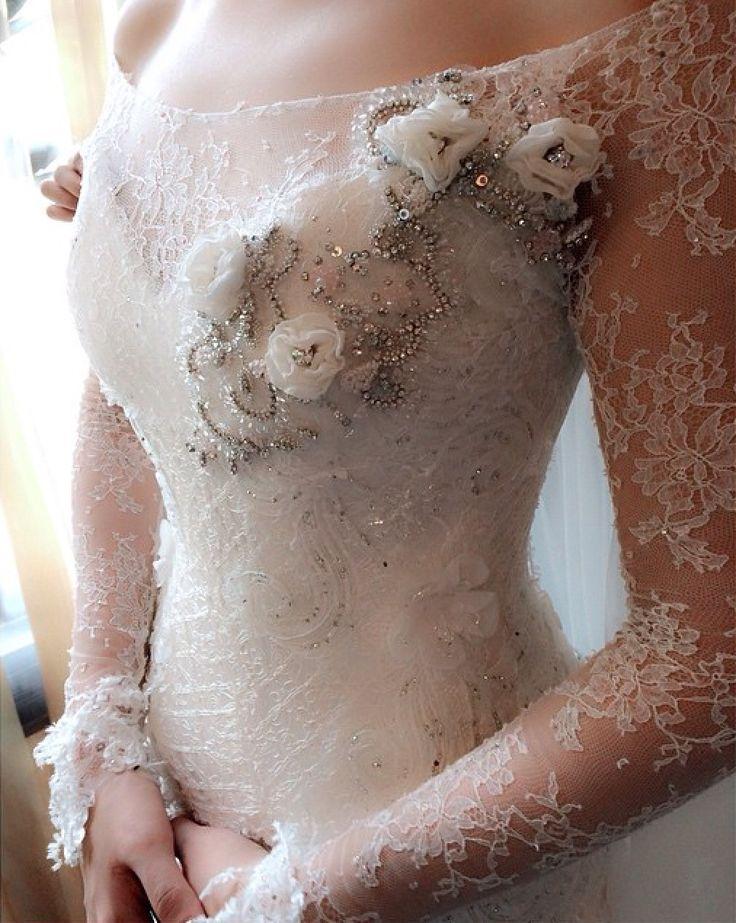 #swarovski#weddingdressdetails#chantilly#begorgeousbride#begorgeoussignature