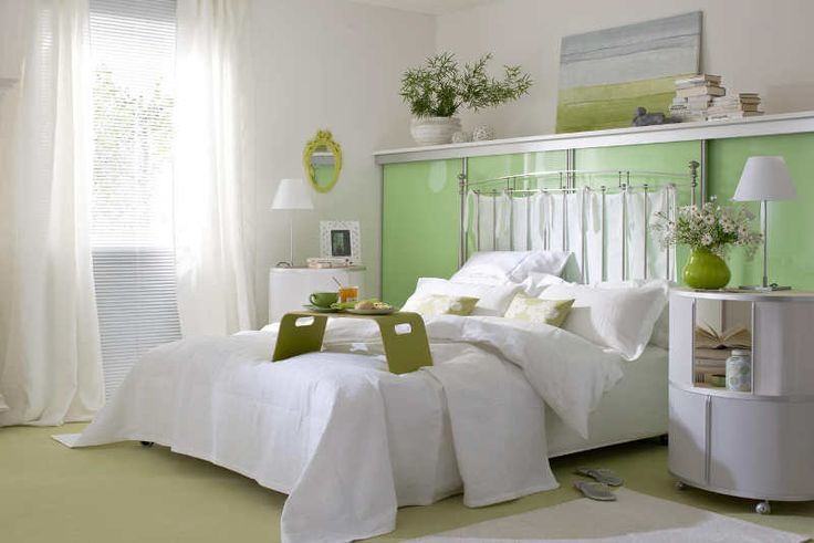 White and green bedroom   WUNDERWEIB.de