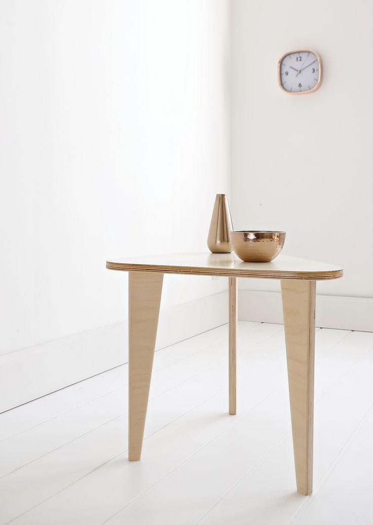 Scandinavian home decor! Meet our coffee table HIP.2 with colored white top / Project and execution by Wood Republic / #design #interior #scandi #scandinavian #wood #wooden #plywood #furniture #loft #modern #natural #minimalist #white #vintage #table #bedside #coffee #copper #decorations #decoration #decor #clock #triangle #triangular
