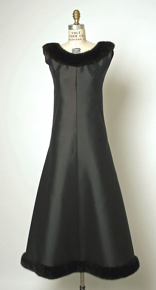 Dress, Evening. House of Balenciaga (French, founded 1937). Designer: Cristobal Balenciaga (Spanish, 1895–1972). Date: 1964. Culture: French. Medium: silk.