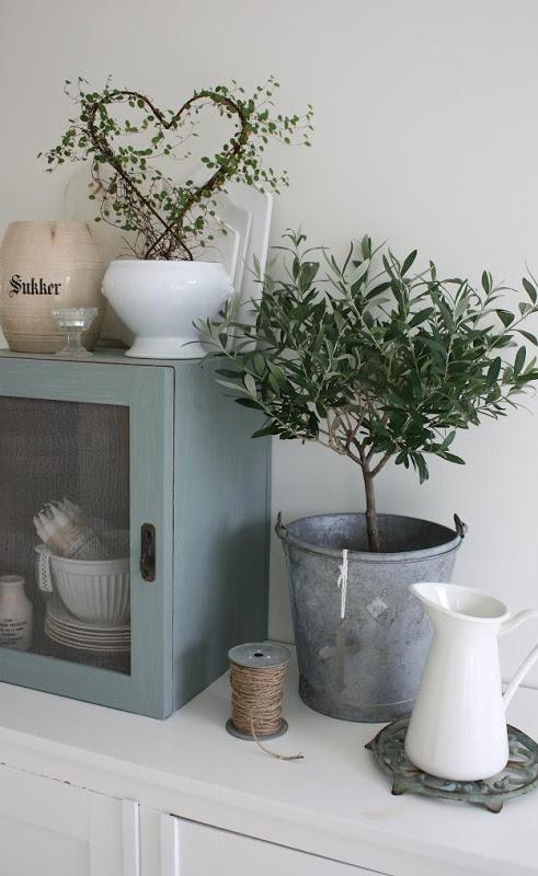 on pinterest miss mustard seeds shabby chic and vintage clocks. Black Bedroom Furniture Sets. Home Design Ideas