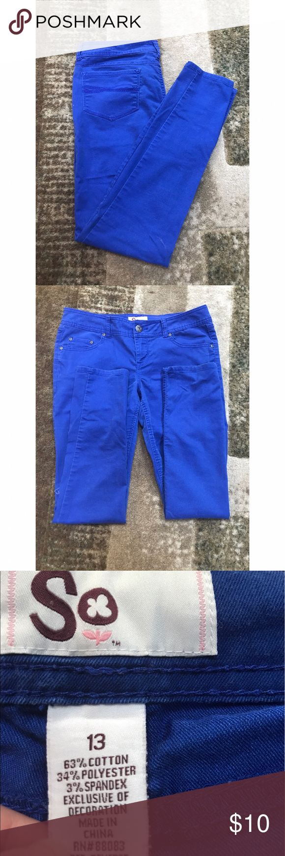 Blue skinny pants These vibrant blue pants are a must have! Skinny jeans with a nice fit for a perfect look Pants Skinny