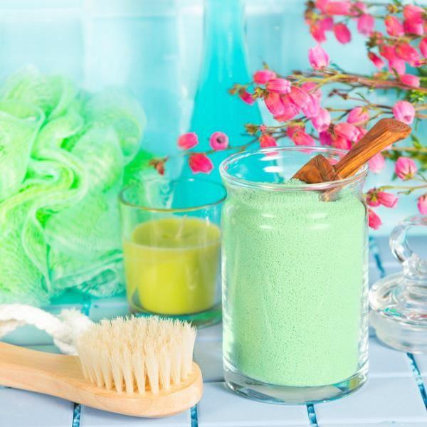 Φανταζόσασταν ποτέ ότι η κουζίνα σας είναι ένα δυνητικό εργαστήριο καλλυντικών προσαρμοσμένων απόλυτα στις ανάγκες σας; Ανοίξτε τα ντουλάπια...