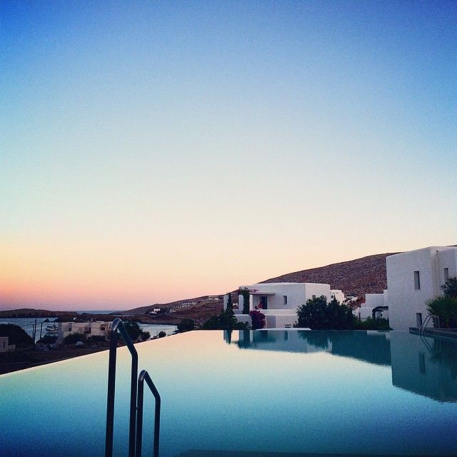 When the sun sets... #AnemiHotel #Folegandros #Romance Photo credits: @_marcuccio