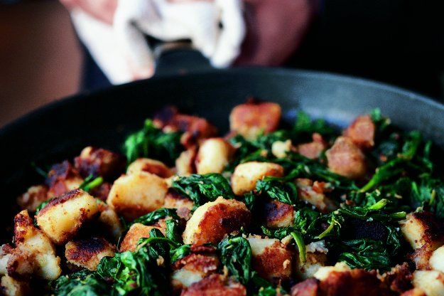 Špenát s bramborami | Apetitonline.cz
