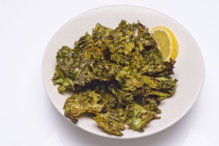... dont like kale? Think again. Lemon kale chips will change your mind