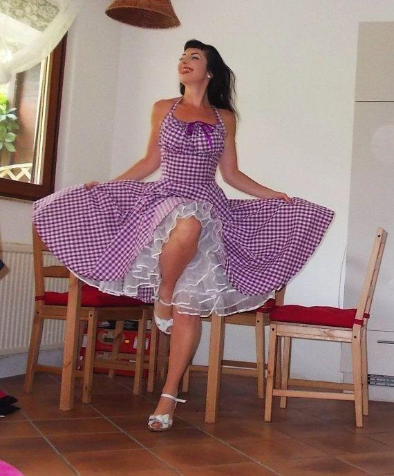 Ee 'Lollipop dress in paarse en witte door PinupDollCollection