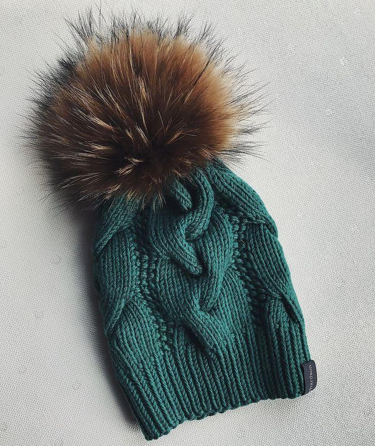 """1,442 Likes, 21 Comments - Стильные шапки и аксессуары (@dasharichardson.knits) on Instagram: """"Важная информация‼️ .ПРИЁМ ЗАКАЗОВ ВРЕМЕННО ПРИОСТАНОВАЛЕН⛔️✋ Возможно, открою запись в конце…"""""""