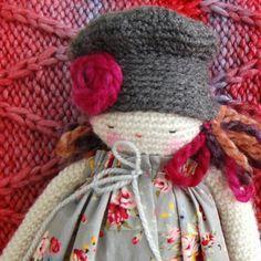 Muñeca Catalina Amigurumi - Patrón Gratis en Español aquí: http://www.lolaylana.com/monada/muneca-catalina/