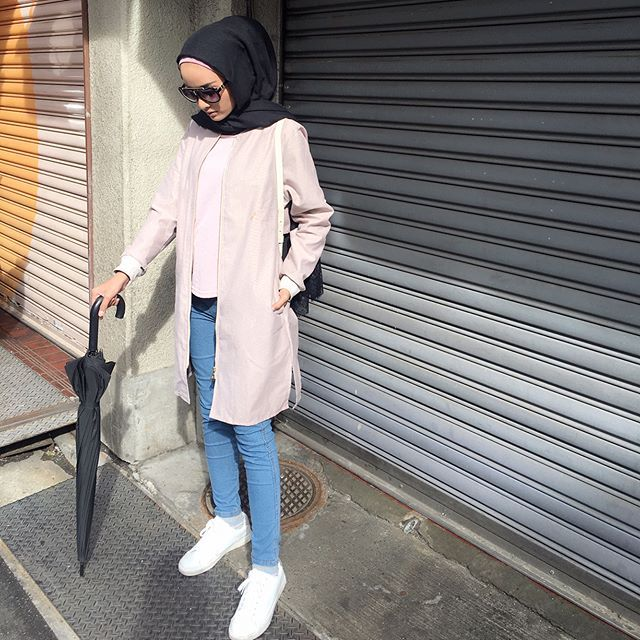 Donning this long jacket from @calaqisya when I was in Japan. So comfy & tahan sejuk I love it #giftforlilfarah