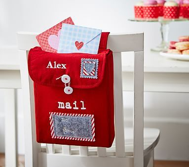 Valentines Card Holder for Chair http://attention-getting.com