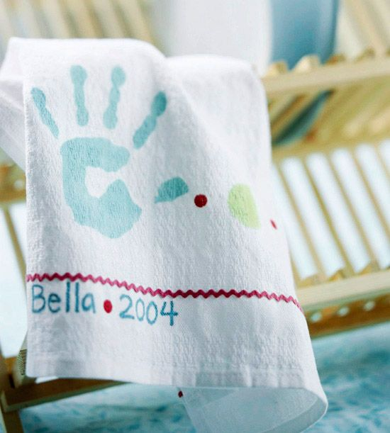 Handprint Dishcloth for Mom - Lost of great ideas for Mother's Day (could also be used for Father's Day) Gifts/Crafts the Kiddos can make!!!