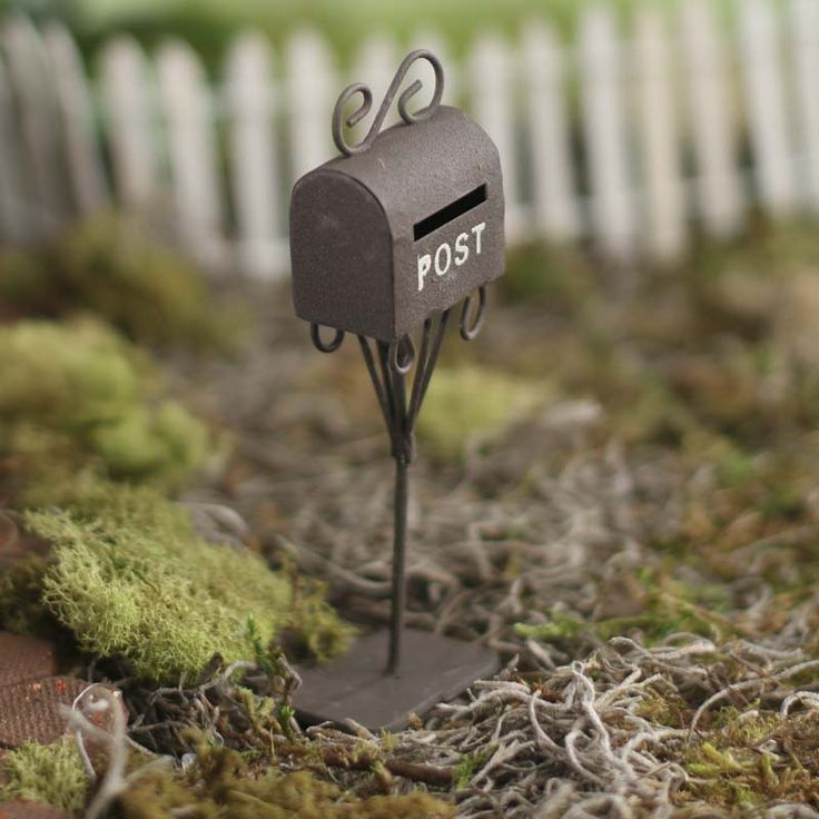 Miniature Rustic Mailbox  $6.99