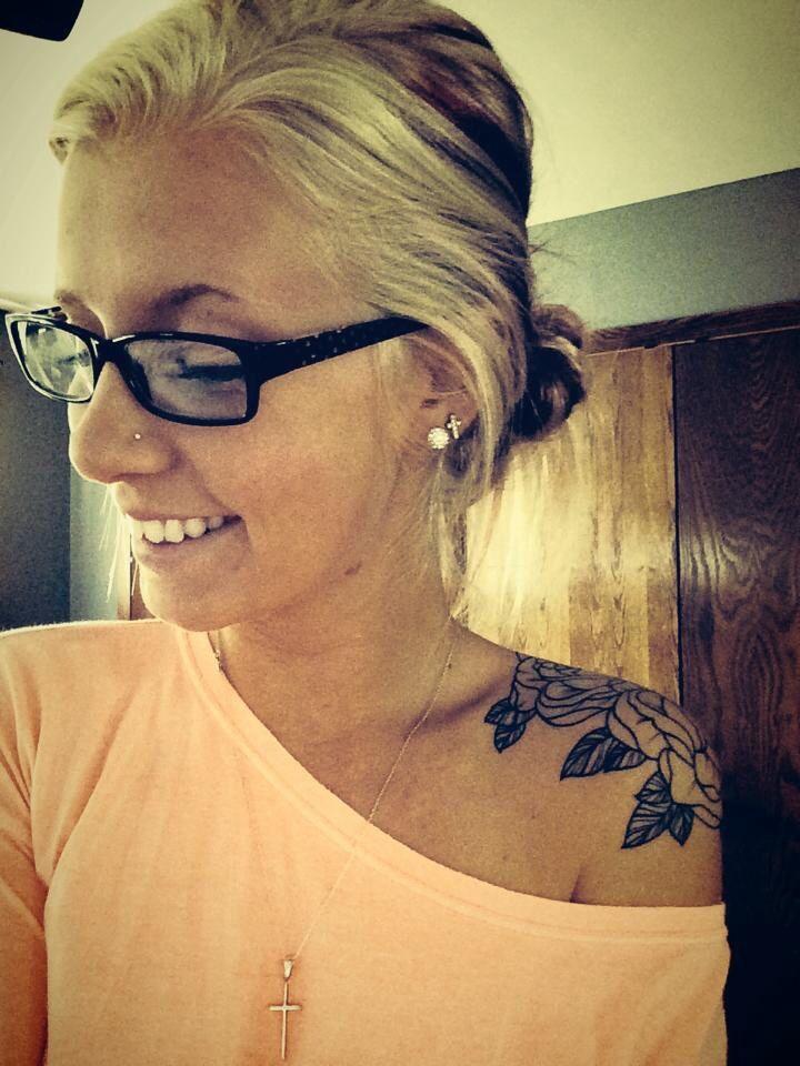 Rose shoulder tattoo ❤️