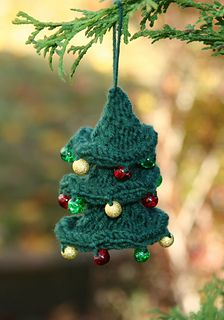 Twisted Christmas Tree - free ravelry download
