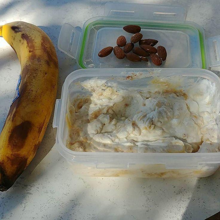 #healthyfood #yogurt @banana #cinamon #honey #gohardorgohome #gregfrag #almomds #tahini