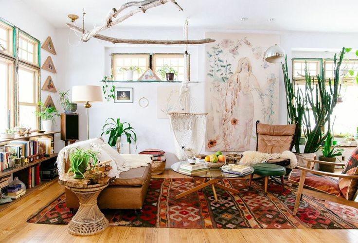 boho interior decor, bohemian interior, bohemian decor, plants in living room, vintage rug, vintage interior