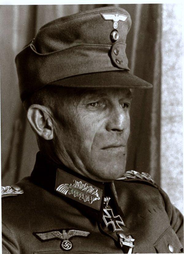 ✠ Ludwig Kübler (2 September 1889 – 18 August 1947) Hanged in Ljubljana. RK 27.10.1939 Generalmajor Kdr 1. Geb.Div