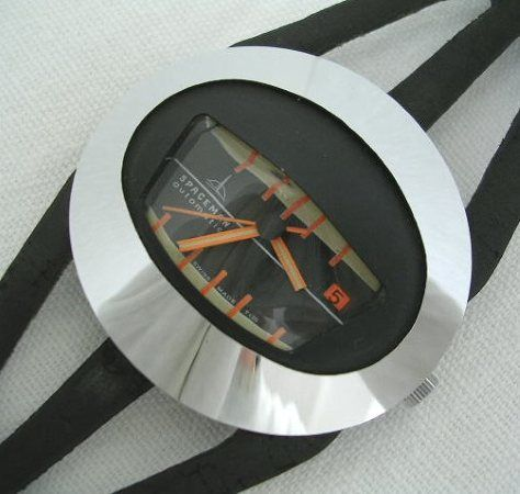 Spaceman Oval Black. I bought my unused watch directly from Peter Doensen.