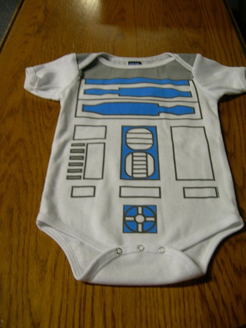 Going to make Owen's R2D2 Halloween costume using this design with a blank onesie and fabric markers