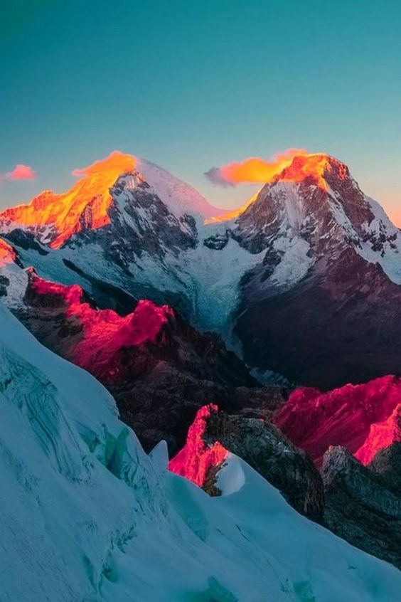 Coloring the mountains                                                                                                                                                                                 #nature #beautifulnature https://biopop.com/