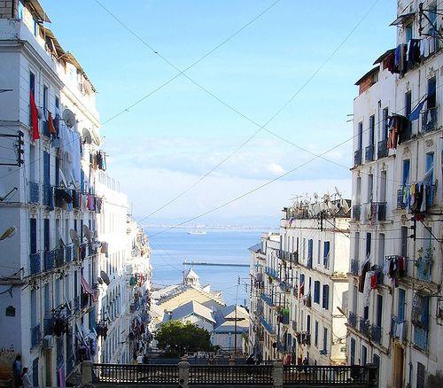 Boulevard Ourida Meddad , Algiers