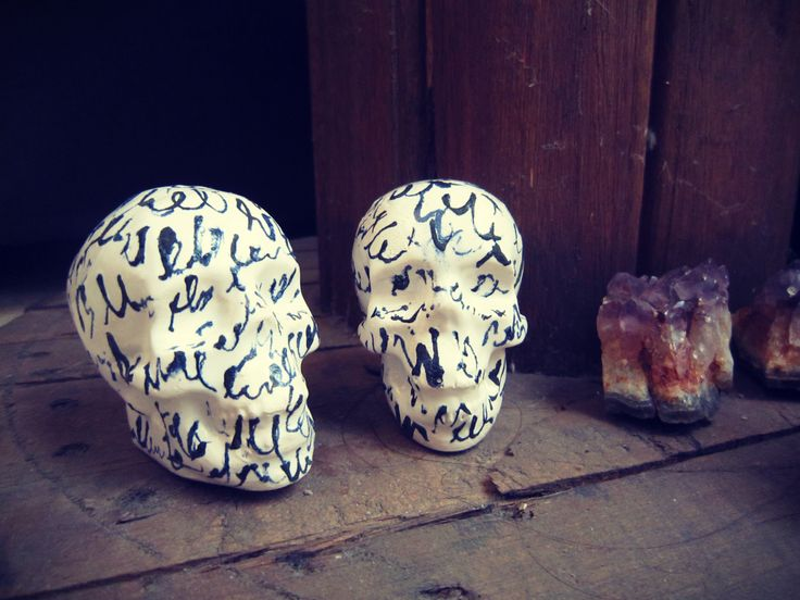Ceramics piece - mayolica. Skull by Sophia Lenzi