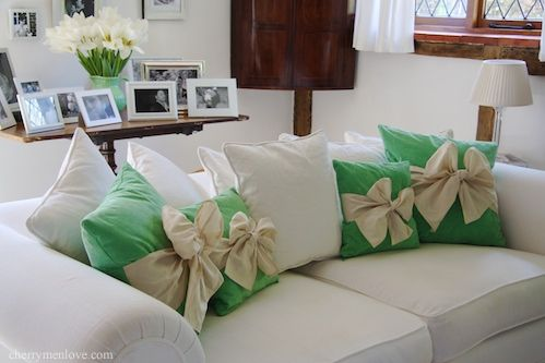 wow!Ties A Bows, Christmas Time, Accent Pillows, Girls Room, Bows Pillows, Kelly Green, Make Bows, Home Deco, Diy Pillows