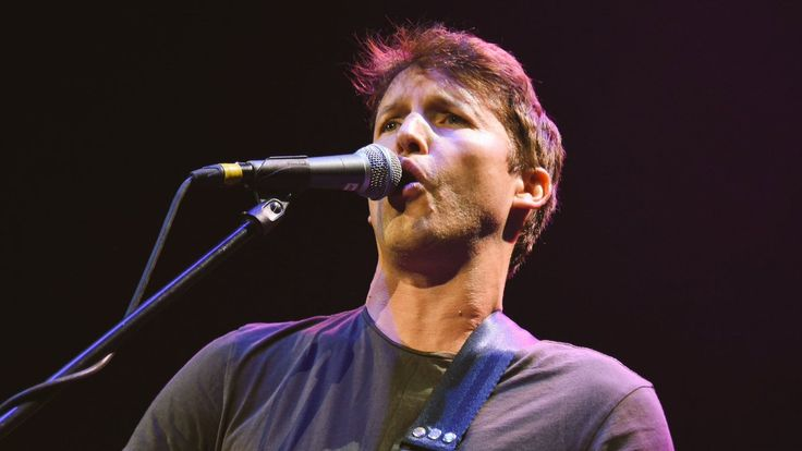 "Bava on Twitter: """"I'm sending postcards from my heart..."" 💙 @JamesBlunt 🎶 #TheAfterloveMx Mexico City 20.08.2017"