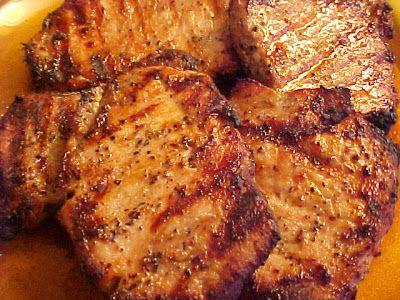 mesa Banquete: deliciosas Costeletas de porco com alho, alecrim e vinagre balsamico