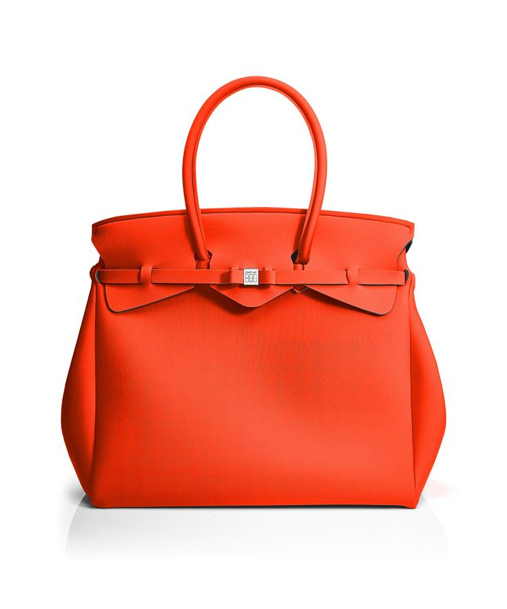 The Miss Weekender is your go-to bag for the perfect weekend away! This versatile tote transitions to a gym, beach or baby bag and is perfect for the jet-set who want to travel in style.  Size  440 x 400 x 200 mm  614g  Made in Italy  Vegan Friendly  Made from Poly-Lycra Fabric   Orange