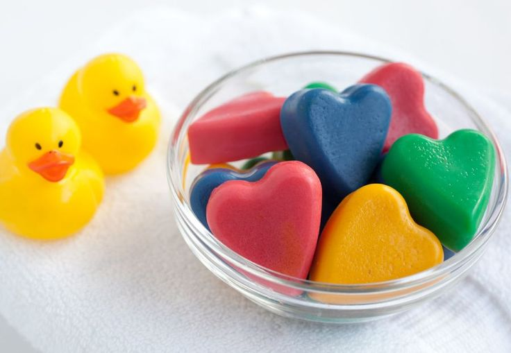 Bath time will never be the same again. Have a little good, clean fun with this recipe for homemade Bath Soap Crayons. This hands-on activity is easy and the results are quick, making it a must do for summer or a rainy day. Made with simple ingredients, our Homemade Bath Crayons give your little Monet the perfect creative outlet. Bath time has never been so sweet!
