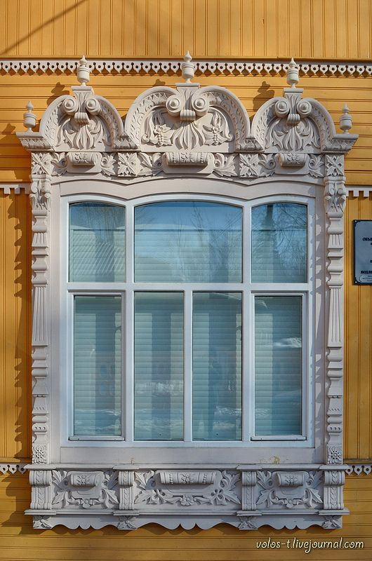 Detail of the merchant's house in Tomsk. End of 19th century.