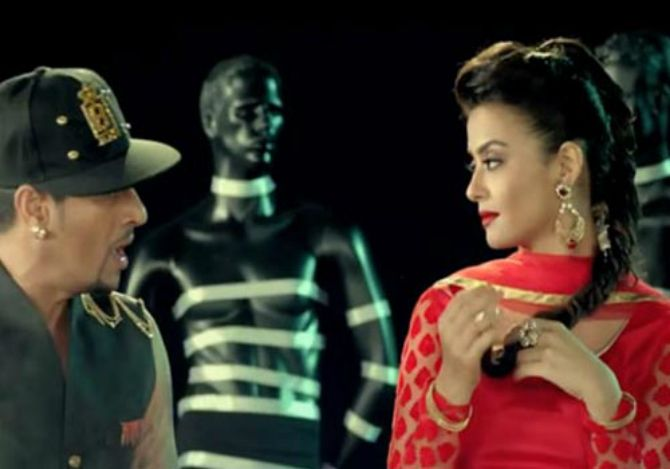 Surveen Chawla in Mitran Da Boot by Jazzy B