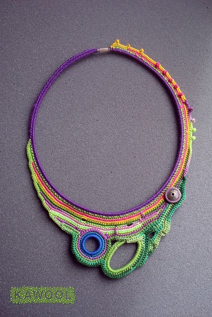 Idea could be used with so many different materials to create a huge asymetrical necklace. Love it.