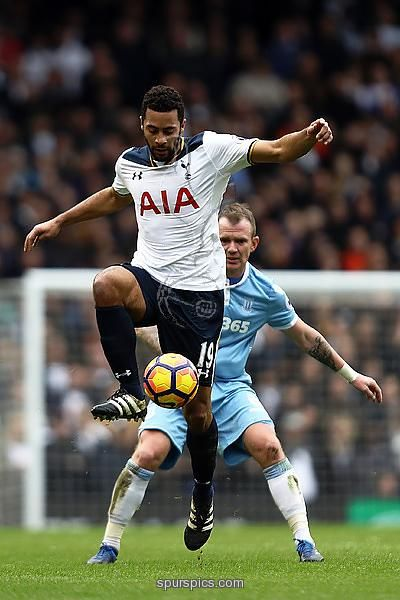LONDON, ENGLAND - FEBRUARY 26: Mousa Dembele of Tottenham Hotspur in action during the Premier League match between Tottenham Hotspur and Stoke City at White Hart Lane on February 26, 2017 in London, England. (Photo by Bryn Lennon/Getty Images)