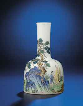 AN IMPORTANT AND VERY FINE INSCRIBED FALANGCAI ENAMELLED 'LOFTY MOUNTAIN' MALLET-SHAPED VASE
