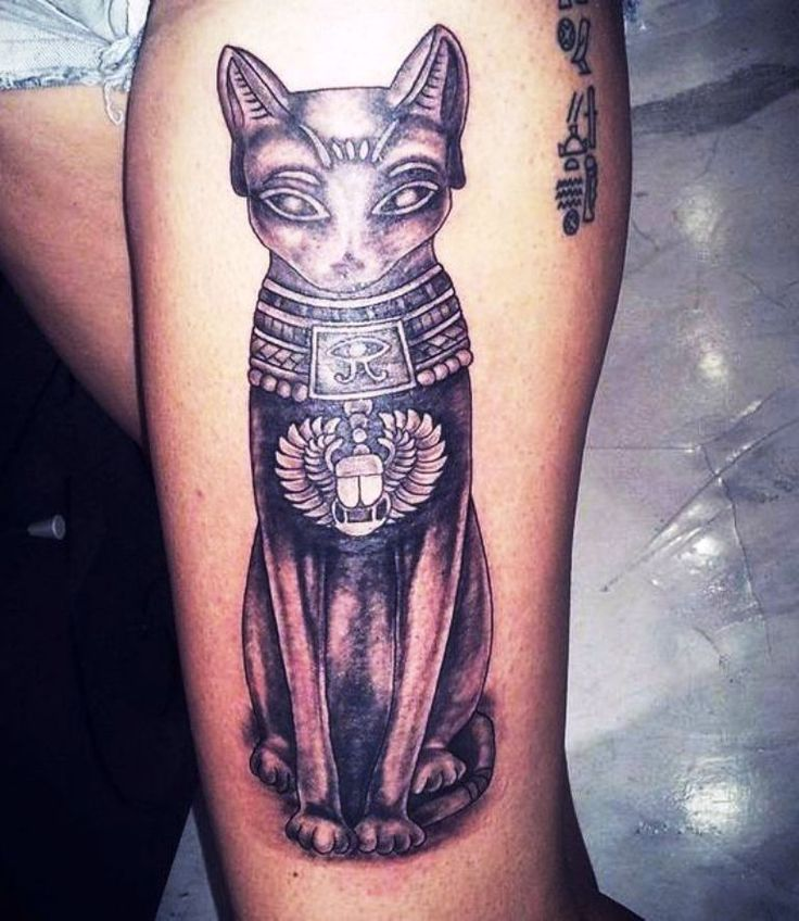 Egyptian Cat Tattoo Designs on Thigh