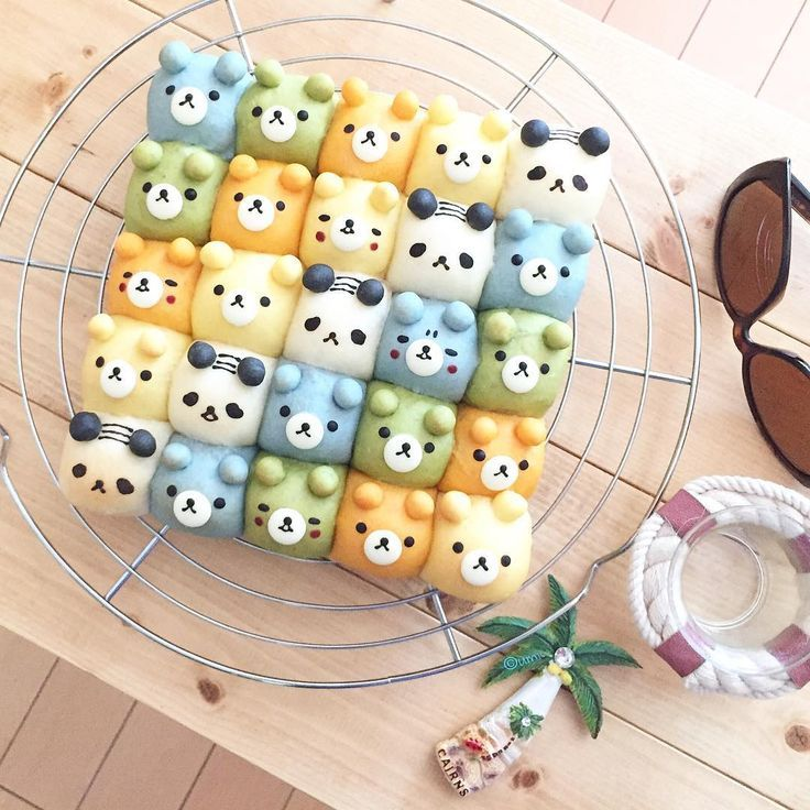 Colorful Panda & Bear pull apart deco bread rolls